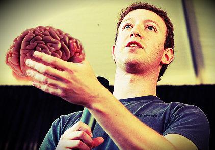 immagine di Zuckerberg con un cervello in mano prodotta con fotomontaggio